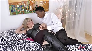 Alisha Rydes and her  boyfriend here big black cock