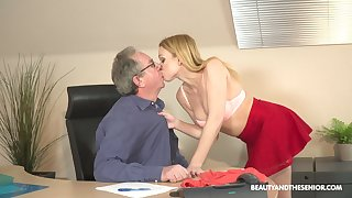 Injurious young blond supplemental Rebecca Black gets intimate with her old boss