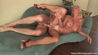 Gorgeous Blondie Cougar Whore Titjob Hart Fuck