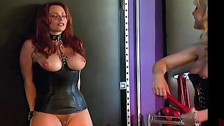 Curvy slave gets be possessed a professional MILF dominatrix Nina Hartley