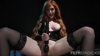 Nasty mistress Lauren Phillips forces their way related to eat his own cum