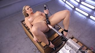 Voluptuous woman tries her first fucking machine cam session